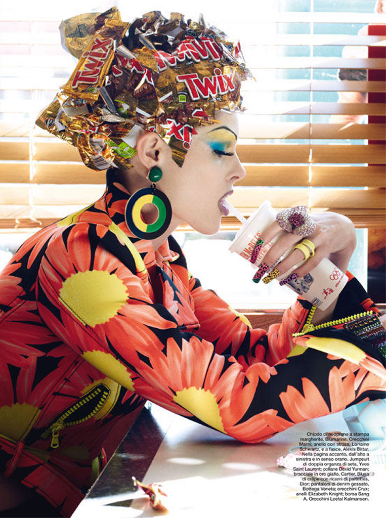 Haute-Mess-Steven-Meisel-Vogue-Italia-16