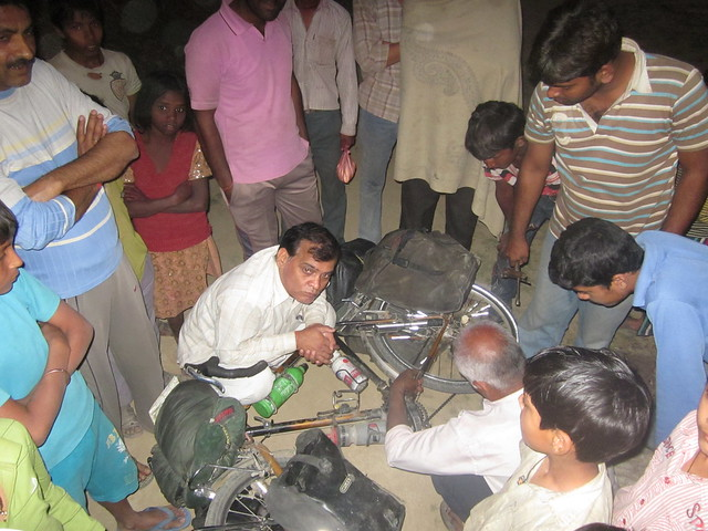 bike fettling in Jahanabad