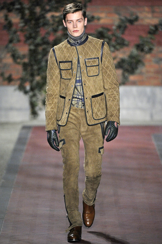 FW12 NY Tommy Hilfiger030_Janis Ancens(VOGUE)