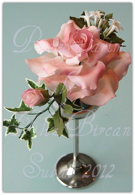 Rose aus Zuckerpaste
