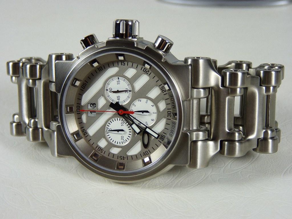 oakley hollow point watch