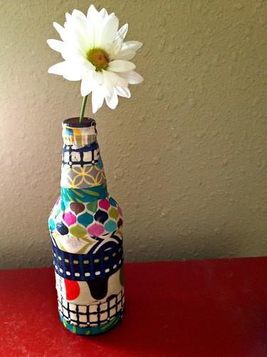 Quick Craft: Scrap Fabric Vase