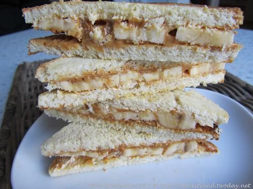 Erdnussbutter & Banane auf Toast