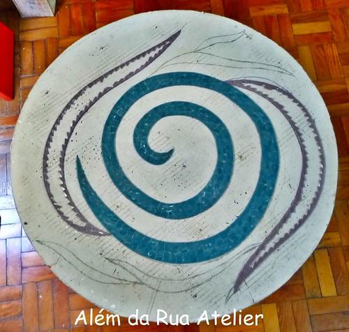 Execução de projeto em mosaico - tampo de mesa
