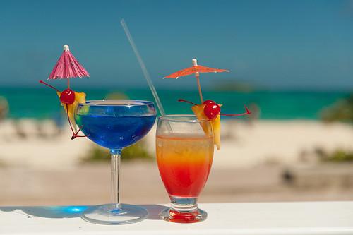 beach hotel mar colombia drink alcohol co caribbean isla coctail curazao bebida allinclusive caribe coctel sanandres tequilasunrise sanandrés sanandresisland sanandrésislas bahiasardina hotelbahiasardina plantodoincluide