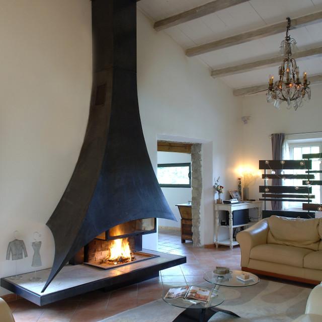 cheminee-a-bois_foyer-ouvert-bois_cheminee-metal_moderne_ligne ...
