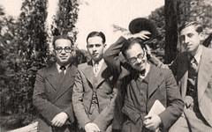 أثناء دراسته - باريس - 7 آذار 1936