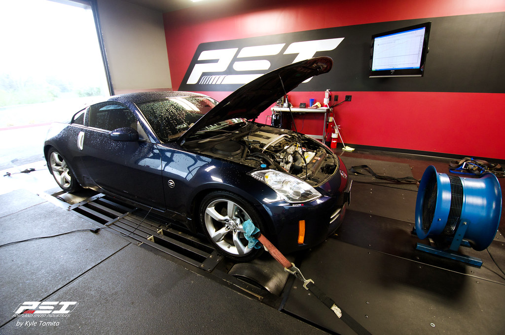 2007 Nissan 350Z on the dyno at PSI - dark blue