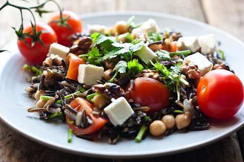 Mediterranean salad with wild rice