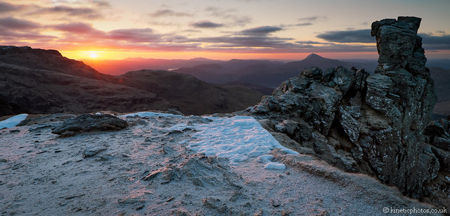 Sunrise on The Cobbler [Pano 9989-94 Stitch Lighter]