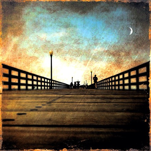 Pier re-edit #jj #instagramhub #huntingtonbeach #igerscalifornia #igersoc #iphoneography #teg #snapseed #hipstamatic #beach #jj_forum