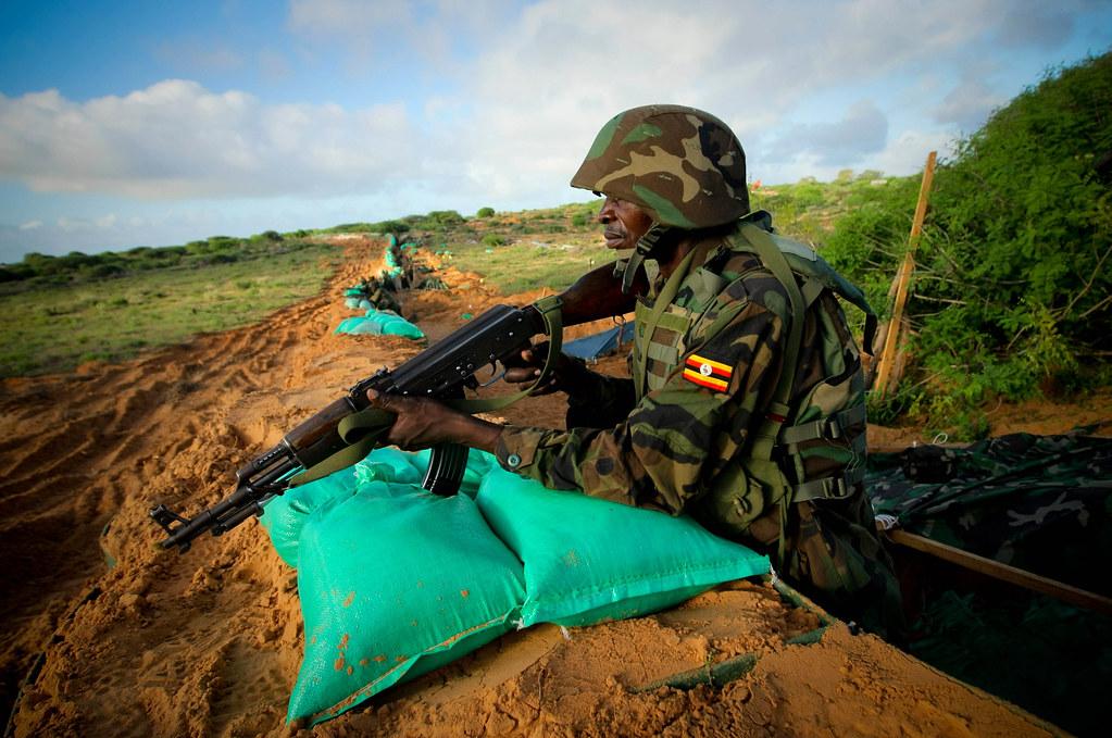 Armée Ougandaise/Uganda Peoples Defence Force (UPDF) - Page 2 7144044851_48390cb434_b