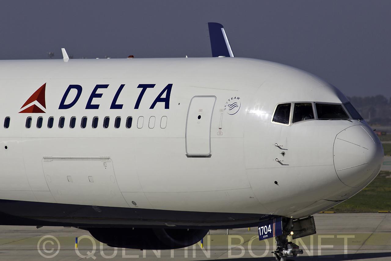 Delta Airlines Boeing 767-332(ER)(WL) N174DZ