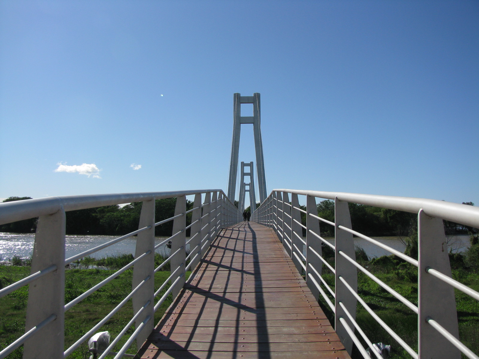 Puente a la isla Tara Inti
