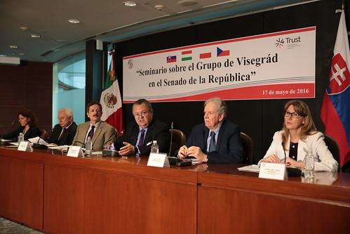 El día 17 de mayo se llevó a cabo en el Senado de la República el Seminario sobre el Grupo Visegrád.