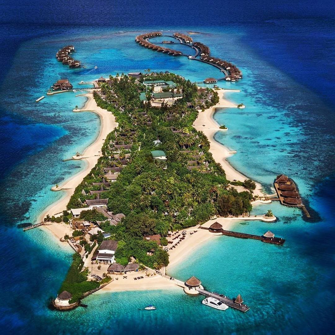 Aerial view of Jumeirah Vittaveli, Maldives