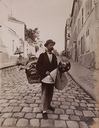 By Eugene Atget, Marchand abat-jours