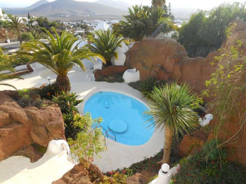 Jardineros en acci n piscinas peque as para jardines Fotos piscinas para espacios pequenos
