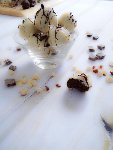 boozy black + white truffles