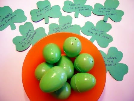 Shamrock Treasure Hunt (Photo from Little Wonders' Days)