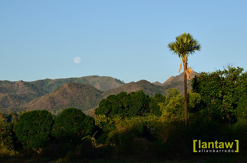 Moonset in Carabaoan