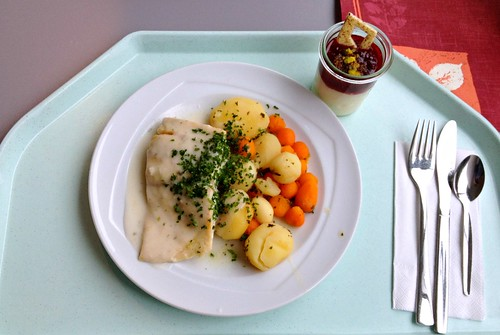 Barschfilet in Weißweinsoße / Perch filet in white whine sauce