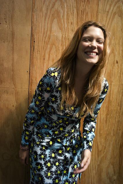 lea-seydoux-and-prada-resort-2012-daisy-print-dress-gallery