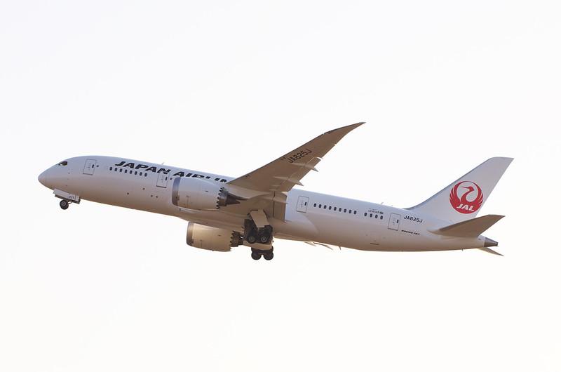 JA825J - 34L/RJAA