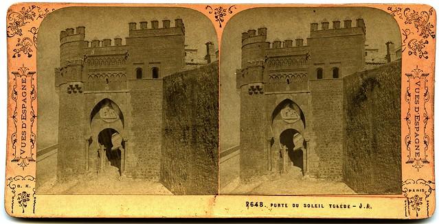 Puerta del Sol. Fotografía estereoscópica de Jean Andrieu en 1868 con número de serie 2648