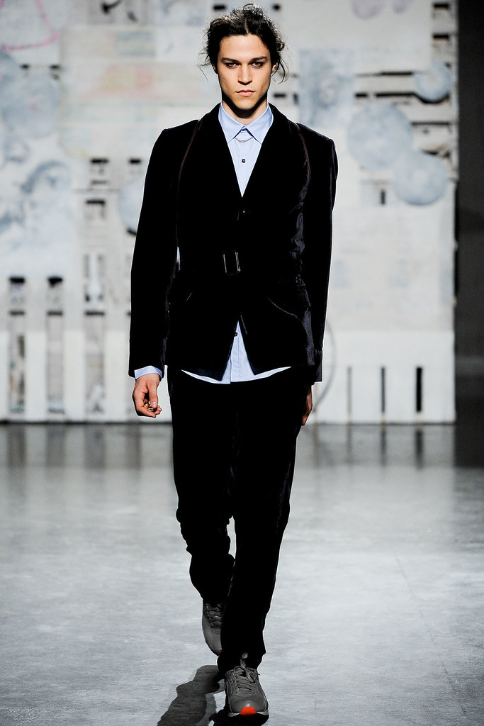 FW12 New York Loden Dager029_Miles McMillan(VOGUE)