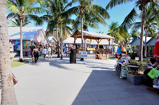 Shop for handicrafts at The Bahamas Arts and Straw Market - Things to do in Freeport