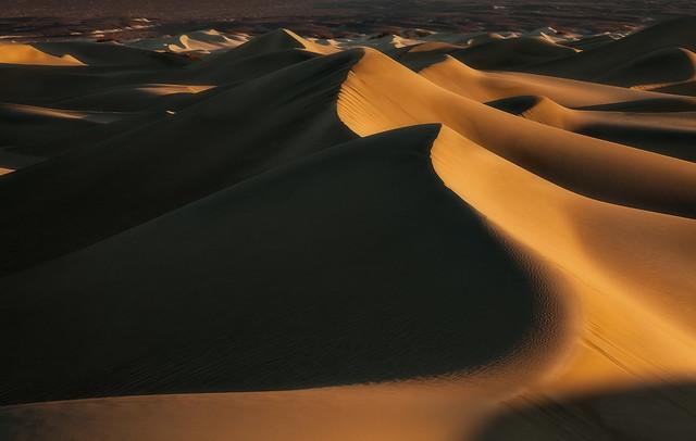 Light play - Mesquite Sand Dunes, Death Valley, CA