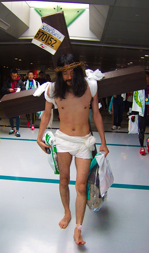 My personal favorite costume from the 2012 Tokyo Marthon