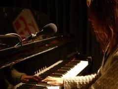 Yasmin Shah au piano