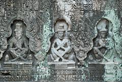 Ascètes en prière (Preah Khan, Angkor)