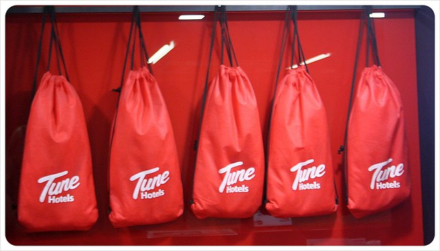 tune hotel red bags