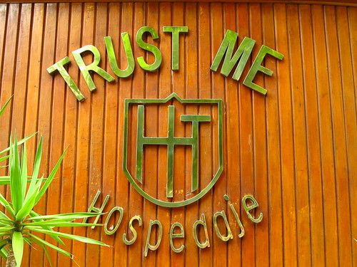 No way would I stay at a place called Trust-Me... Lima. Peru 17APR12