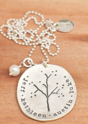 Family-Tree-Necklace_01