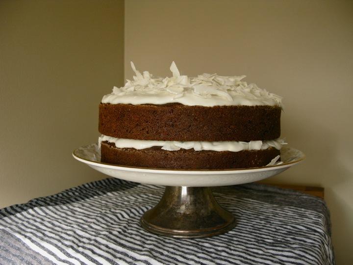 carrot coconut cake 001