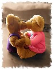 osos peluches besandose