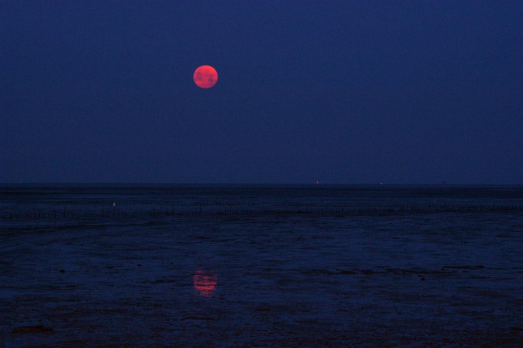 0506 西沉大月