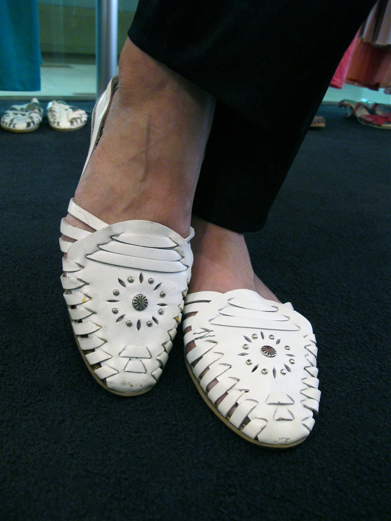 Shod your feet in these comfy 1980s white leather flats!