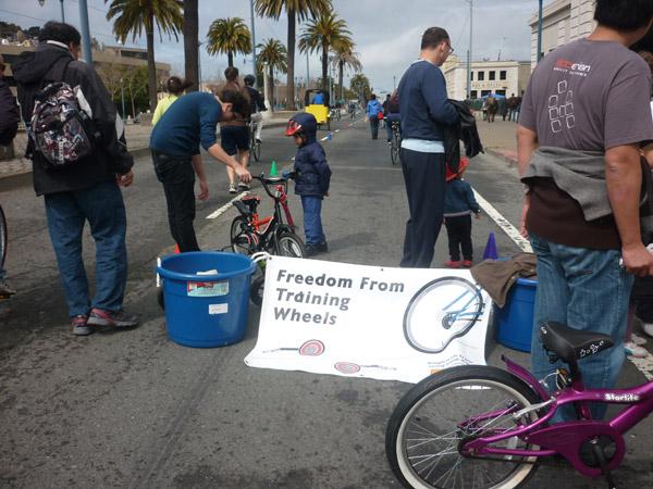 2012_0311_SundayStreets-embarcadero-SF_46