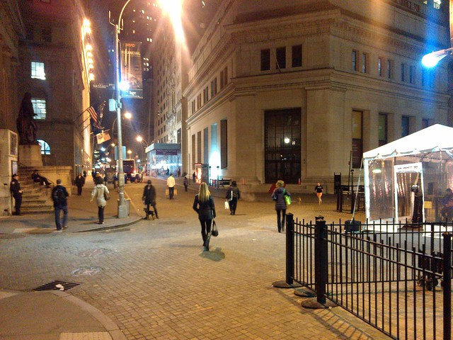 Barricades removed from Wall Street