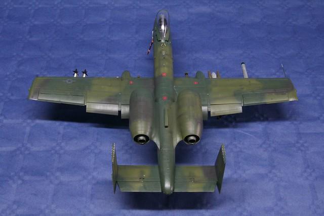 Fairchild A-10 Thunderbolt II   « Warthog »  6848075036_a329bfb8fe_z