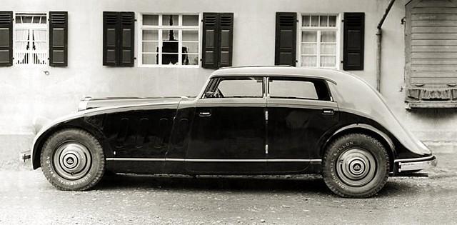 1932 Maybach Zeppelin Stromlinie DS 8