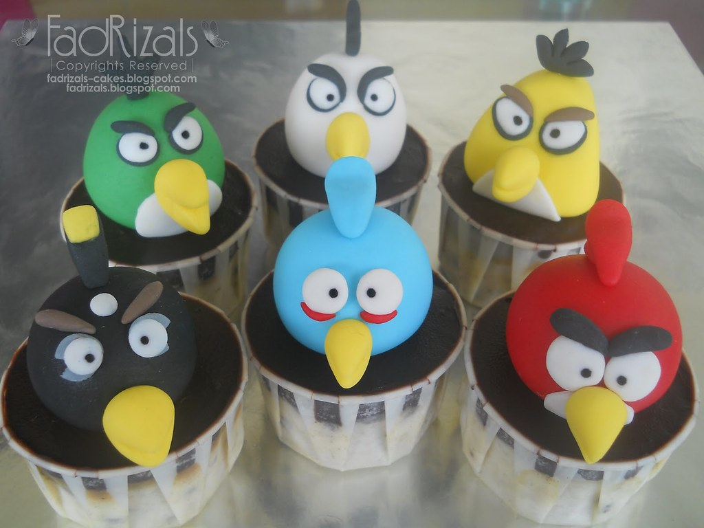 10 Angry Birds Cupcakes To Celebrate The New Game Plus Cake Pops And Cupcake Toppers