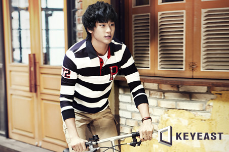 Kim Soo Hyun KeyEast Official Photo Collection 20110830_ksh_02