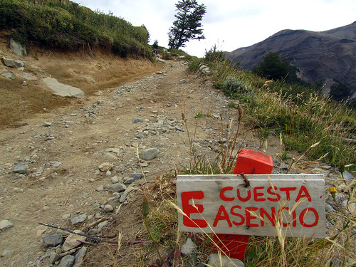 Warning on the path to Torres del Paine