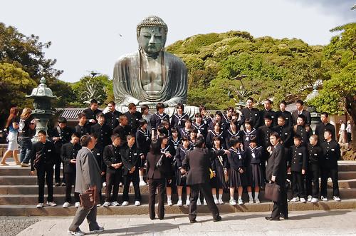 Foto de grupo frente al Gran Buda de Kamakura